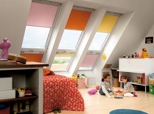 tetőtéri ablakra roló gyerekszobába