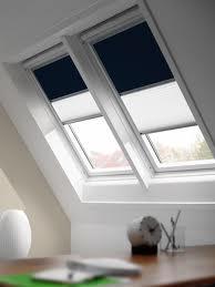 ferde síkú, tetőtéri ablakhoz rugós roló
